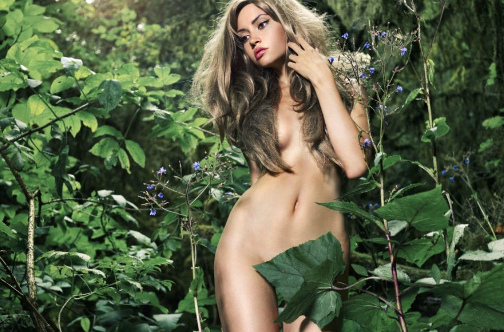 Elegant Nude Lady Green Rainforest